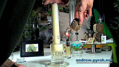 Smoking Cannabis Cup Winning Rollex OG Kush in the Weed Star Afterburner Bong