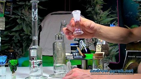Weed Star Glass Bongs, Slides/Bowls and Oil Domes -  Amsterdam Product Review