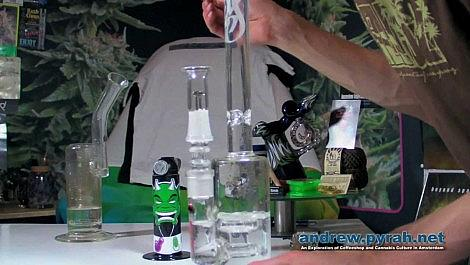 Weed Star WS Line 'Trunk' Glass Bong Dab & Bong Hit - Product Review